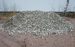 Lajiteltuja luonnonkivia 3-5 cm saa nyt irtotavarana. Hinta 30 € max. 600 kg omalla peräkärryllä