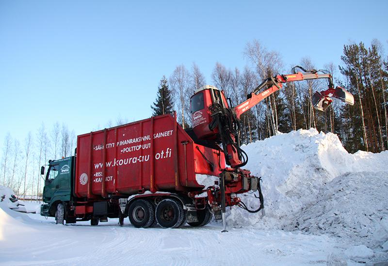 koura-autot-erikoistyot-lumityot-3